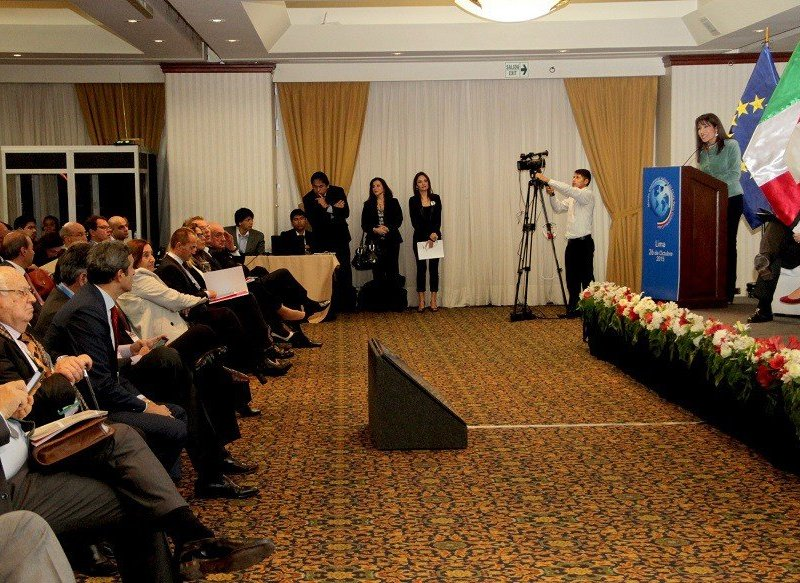 La titular del Mincetur, Magaly Silva,  se reunió con  el primer ministro italiano y 80 empresarios del mencionado país.