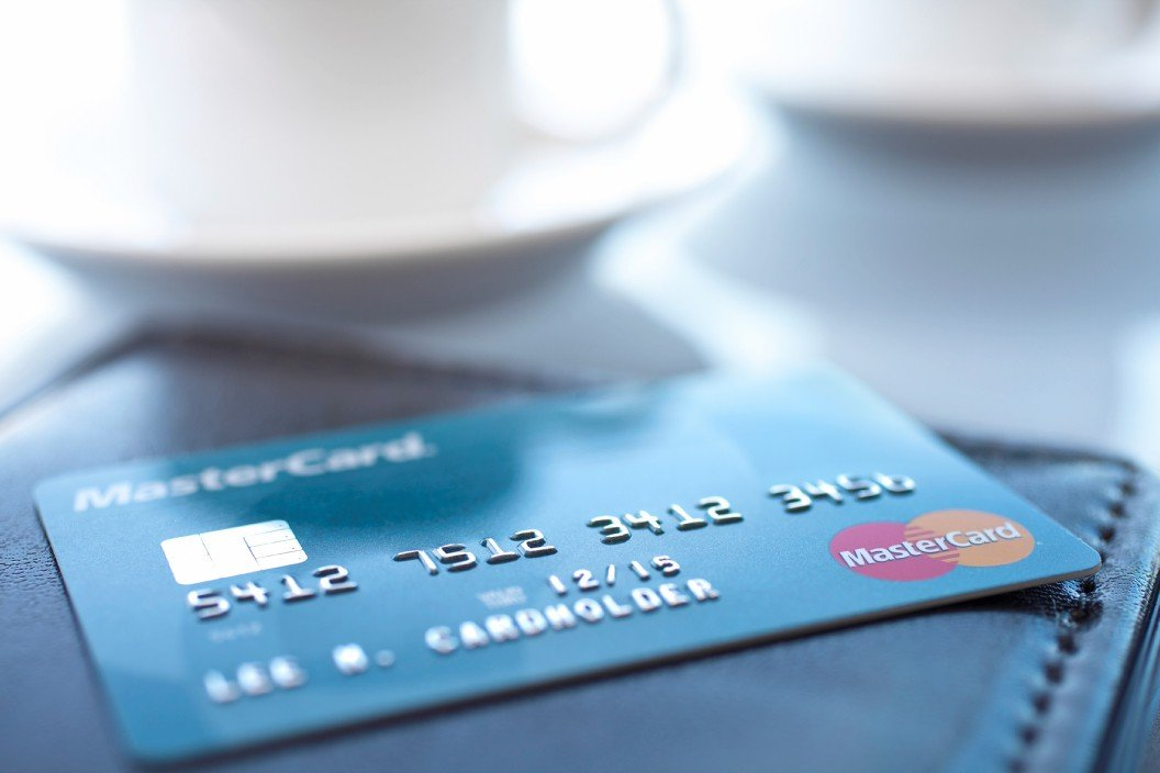 Cuba al alcance de una tarjeta de crédito, esta vez Stonegate anunció que la banca ya está ofreciendo una tarjeta débito