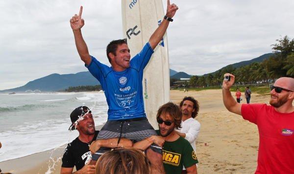 Benoit PICCOLO Clemente  conquistó por segunda vez el título  de campeón mundial de Surf en la modalidad Longboard.