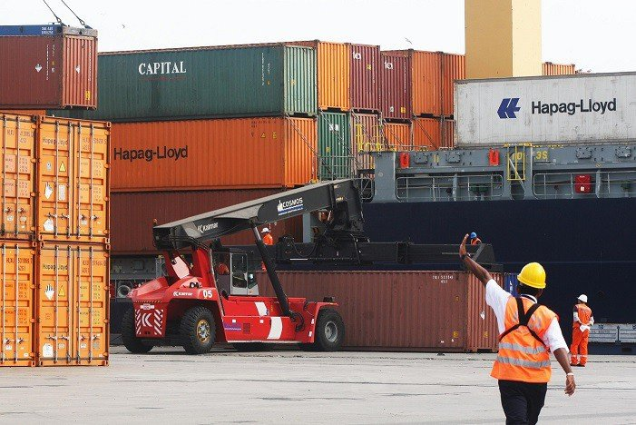 Las exportaciones peruanas sumaron otro déficit más hasta noviembre del 2015.