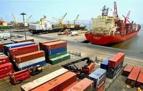 Las exportaciones peruanas cayeron estrepitosamente el año pasado.