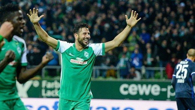 Claudio Pizarro llegó al quinto puesto de goleadores en la historia de la Bundesliga.