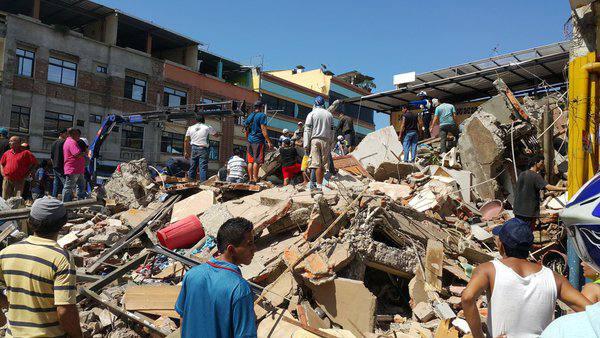 Terremoto en Ecuador (cortesía La Hora)