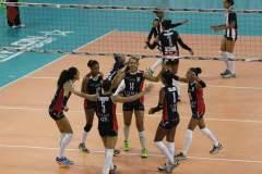 La U. San Martín sigue en carrera por el tricampeonato de voleibol peruano.