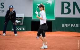 Pirinkova sorprendió a Radwanska y clasificó a cuartos de final.