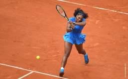 Serena Williams superó otro examen sin problemas.
