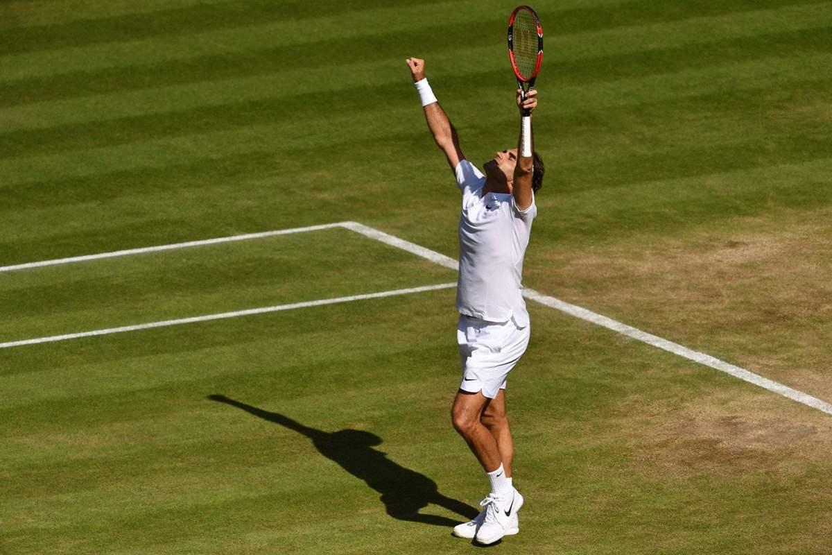 Federer sufrió al principio pero celebró al final.