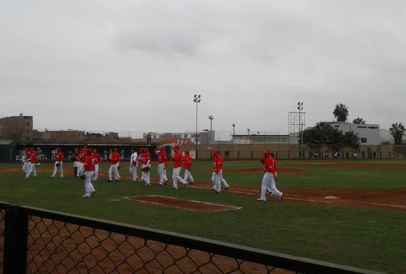 Perú celebró su segundo triunfo en el Sudamericano de Béisbol.
