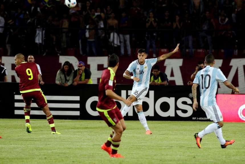 Los argentinos rescataron un punto en su visita a Venezuela.