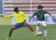 Ecuador salvó un empate sobre el final en la altura boliviana.