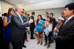 El presidente Kuczynski departió un buen momento con la colonia peruana en Santiago.