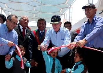 El presidente Kuczynski interactuó con niños tras inauguración de centro de educación inicial.