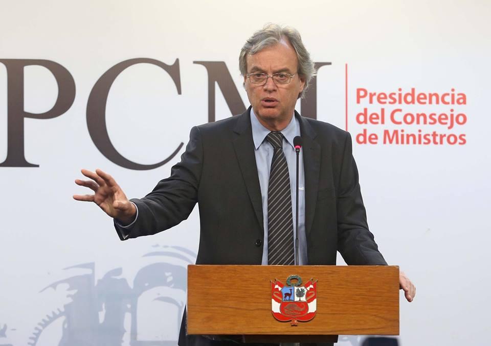 Ministro Basombrío anuncia aprobación de normas para mejorar el  MININTER y la PNP