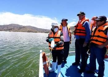 El presidente Kuczynski señaló que es urgente limpiar el Lago Titicaca.