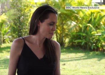 Angelina Jolie habló por primera vez en TV sobre su separación de Brad Pitt y se quebró