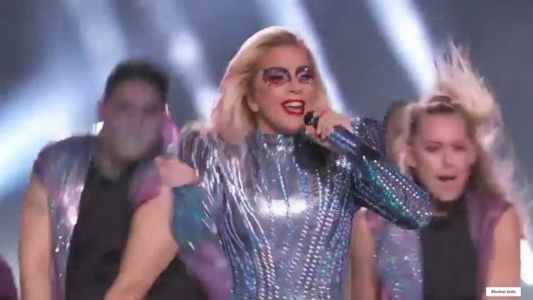 Lady Gaga protagonizó impresionante show en el Super Bowl 2017