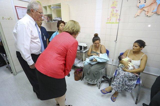 Presidente Kuczynski constató la atención que se brinda en la ex Maternidad de Lima