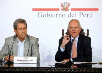 El presidente Kuczynski junto al ministro Thorne anunciaron el financiamiento para afrontar las emergencias.