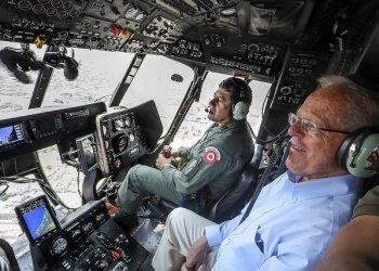 El presidente Kuczynski sobrevoló Lima para inspeccionar el daño causado por los desastres.