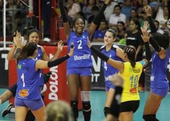 El club Regatas Lima pegó primero en la primera semifinal contra Géminis.