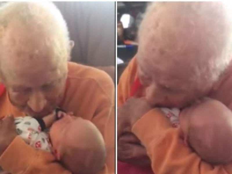 Emotivo momento en que hombre de 105 años conoce a su bisnieto recién nacido