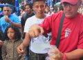 Venezolanos, muchos de ellos profesionales y técnicos, se ganan la vida honradamente en el Perú