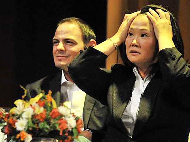 Keiko Fujimori y su esposo Mark Vito