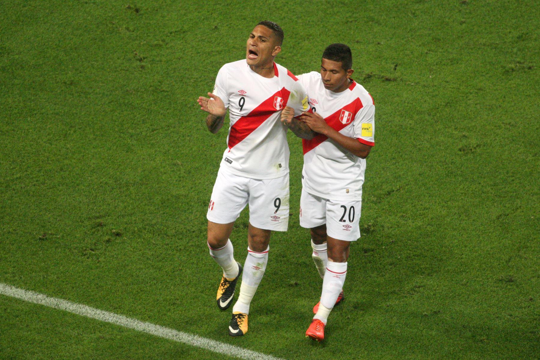 Paolo Guerrero tras convertir su gol / Foto: ANDINA/Juan Carlos Guzmán Negrini.