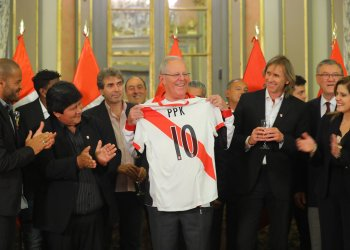 El presidente Kuczynski recibió en Palacio a los dirigentes, comando técnico y jugadores de la selección de fútbol.