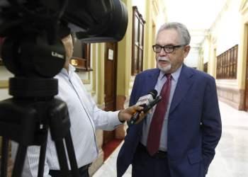 Ortiz de Zevallos es el segundo asesor presidencial que renuncia tras el indulto otorgado al expresidente Fujimori.