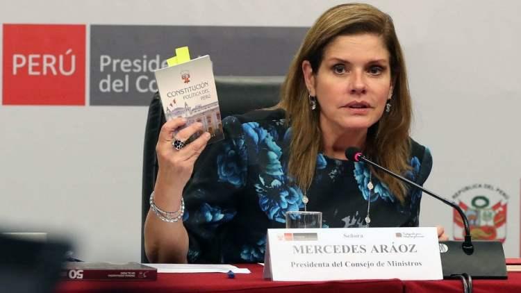 La premier Mercedes Aráoz espera que la vacancia presidencial no prospere.