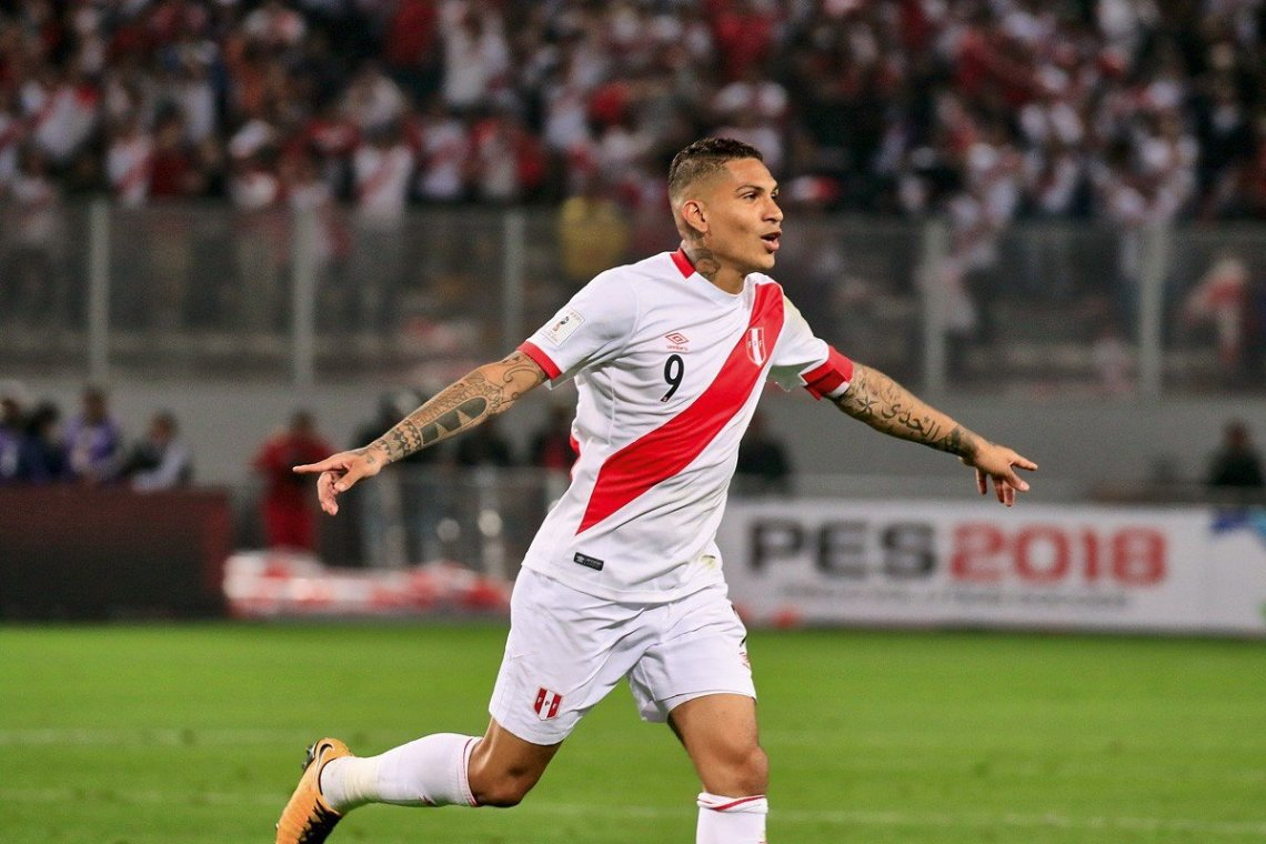 LIMA, PERU - OCTOBER 10: Paolo Guerrero (9) of Peru celebrates after scoring a goal during the 2018 FIFA World Cup Qualification match between Peru and Colombia at National Stadium in Lima, Peru on October 10, 2017.(Photo by Sebastian Castaneda/Anadolu Agency/Getty Images)