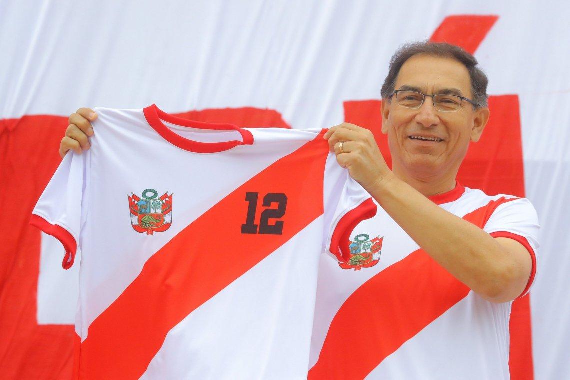 El presidente Vizcarra pidió a los peruanos trabajar en equipo, tal como lo hizo la selección de fútbol que clasificó al Mundial Rusia 2018.