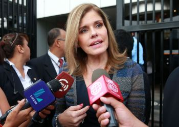 Mercedes Aráoz mostró su satisfacción tras la reunión que sostuvieron integrantes del Ejecutivo con la bancada oficialista.