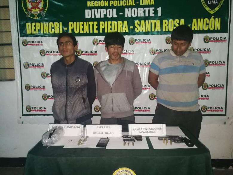 Grupo de detenidos por la Policía