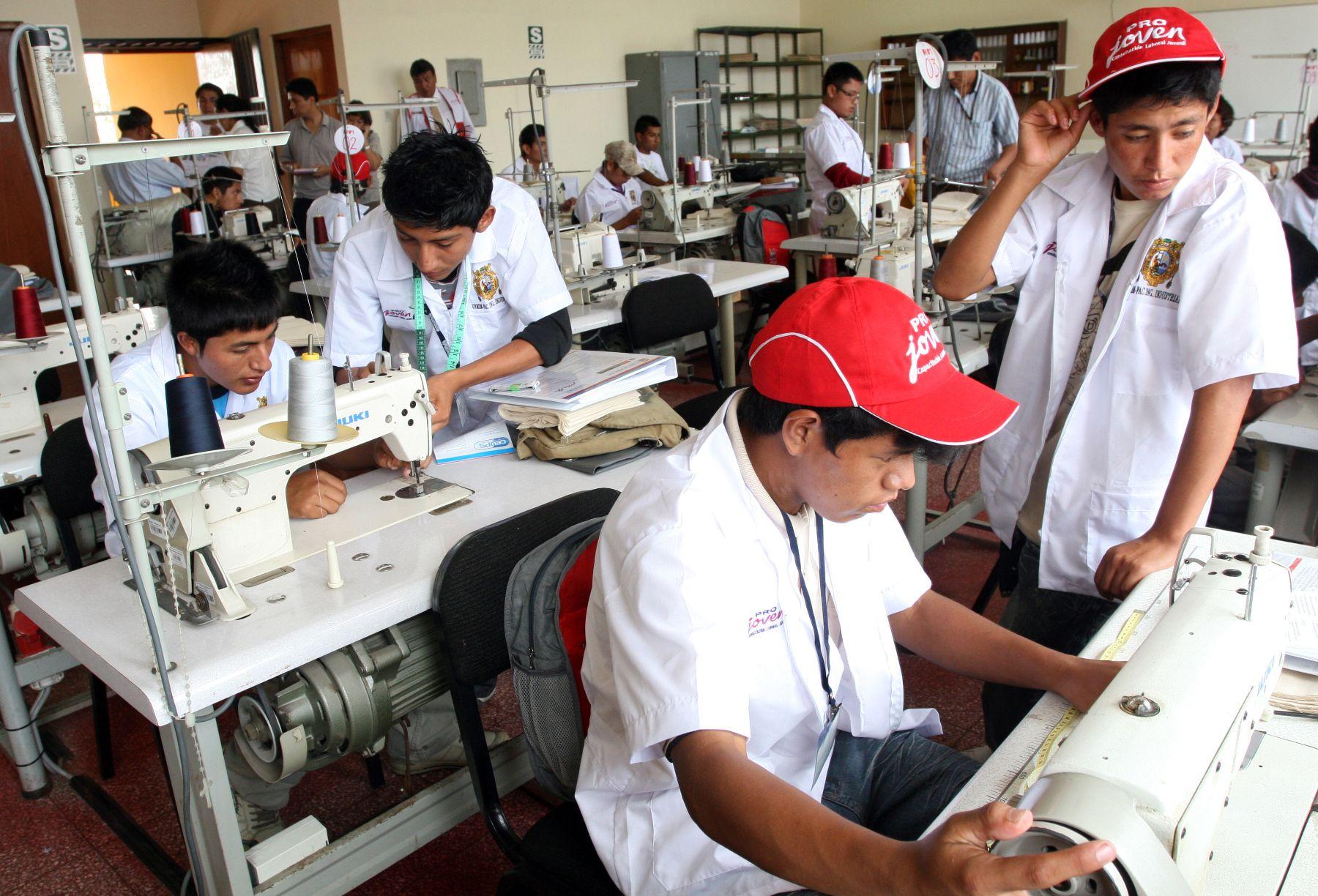 Puestos de trabajo en el Perú