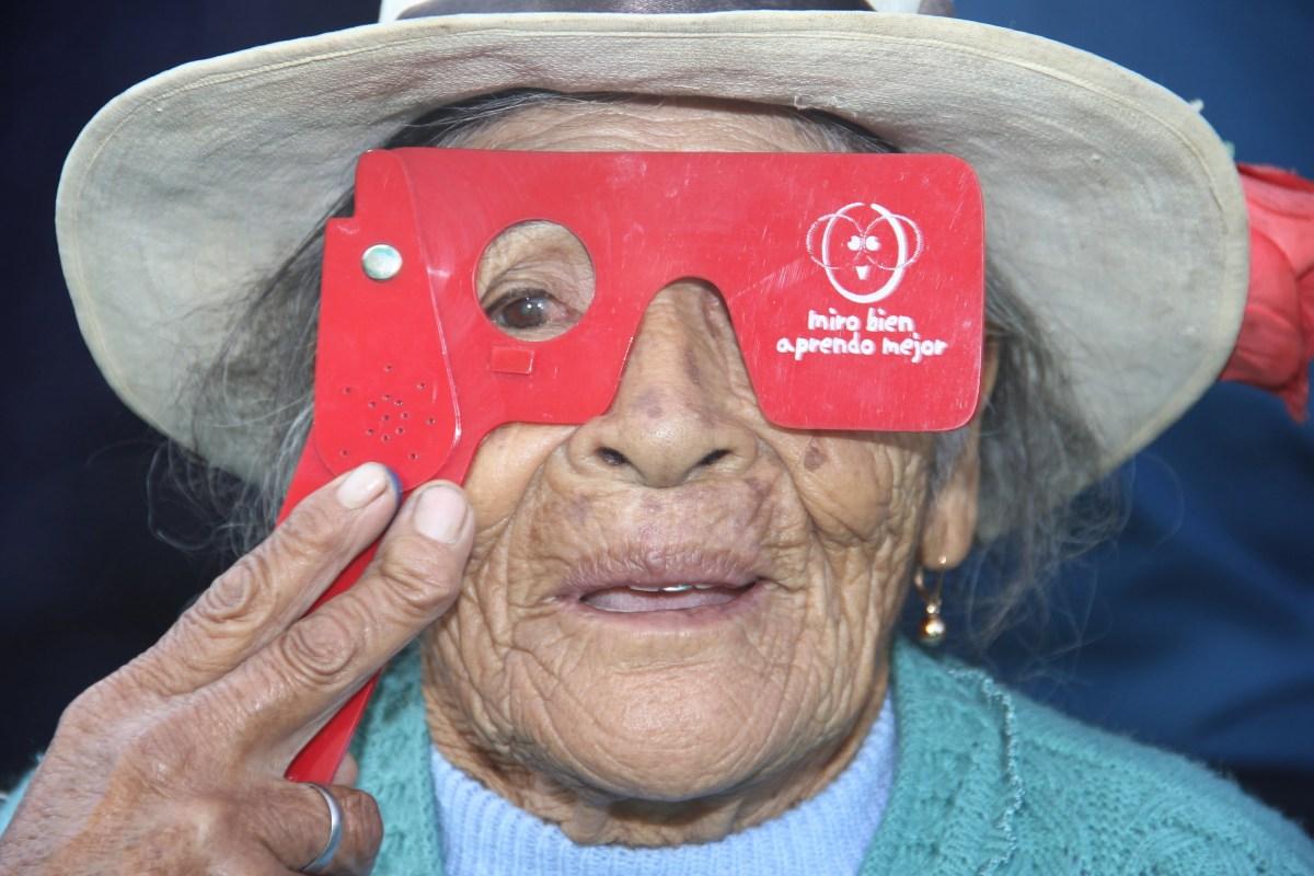 Revisión de la visión a adultos mayores