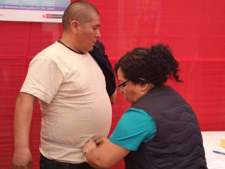 Un 58% de peruanos mayores de 15 años tiene obesidad y sobrepeso