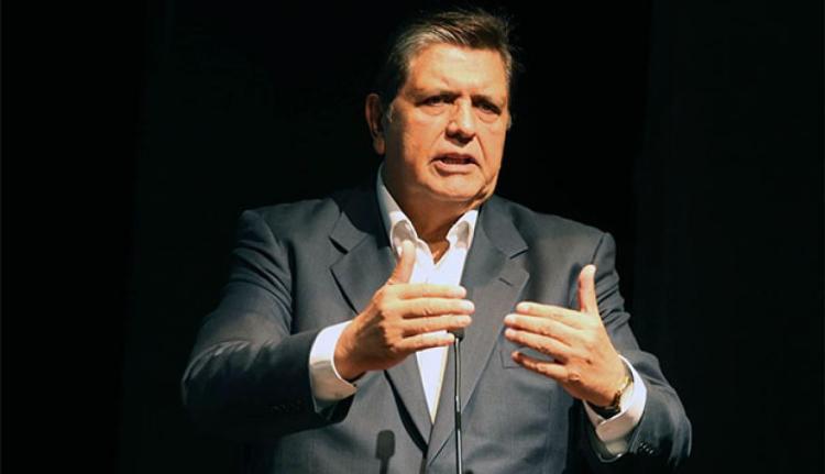 Fiscalía pide impedimento de salida del país contra Alan García