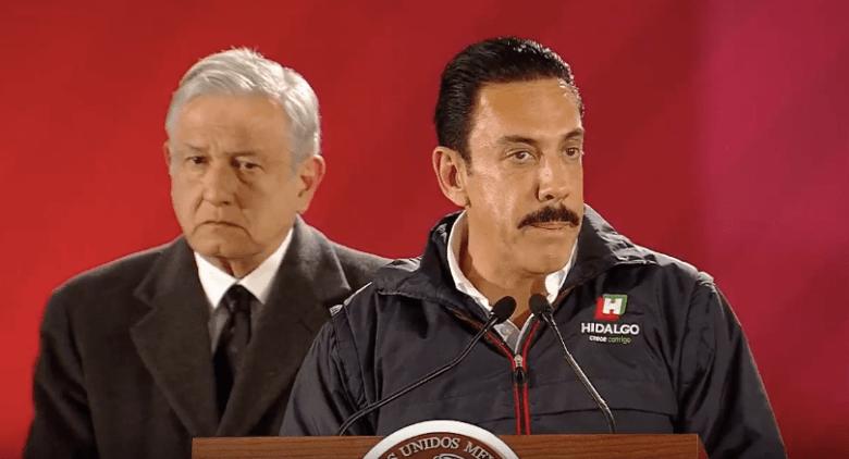 Fotografía del gobernador de Hidalgo, Omar Fayad, ofrece una conferencia de prensa. (Noticieros Televisa)