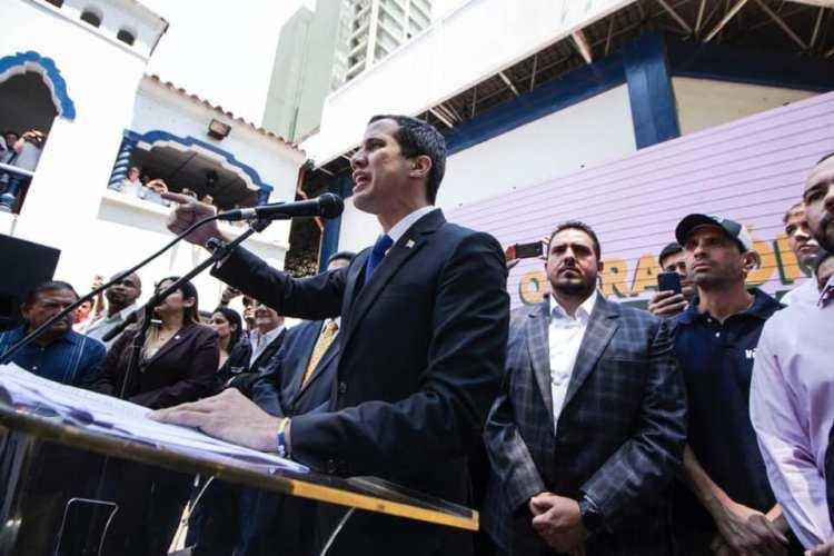 Constituyente chavista levanta inmunidad de Juan Guaidó para enjuiciarlo