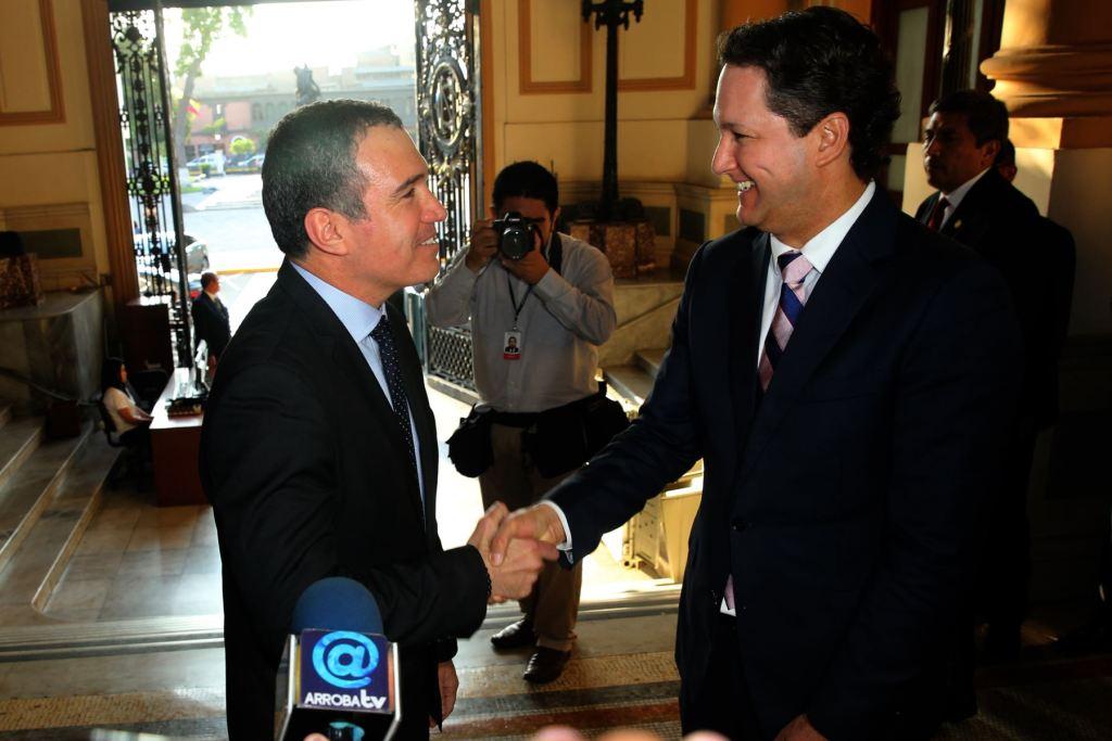 Salvador de Solar concluyó diálogo con oposición ad portas de voto de confianza
