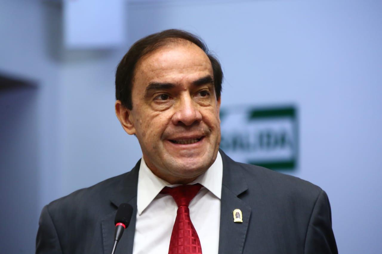 Yonhy Lescano es suspendido por 120 días por el pleno del Congreso