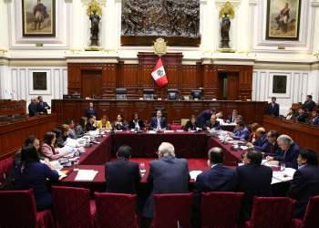 Fujimorismo salva de destitución e inhabilitación a fiscal Pedro Chávarry