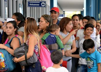 Venezolanos ingresan al Perú