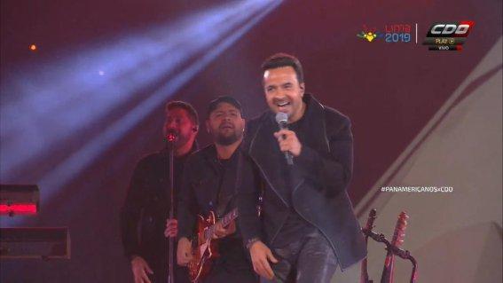 Luis Fonsi tuvo dueto con Leslie Shaw en Panamericanos 2019
