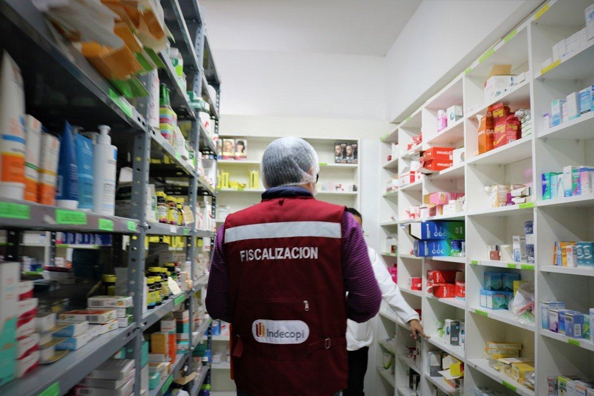Indecopi verifica que farmacias no oculten medicamentos genéricos