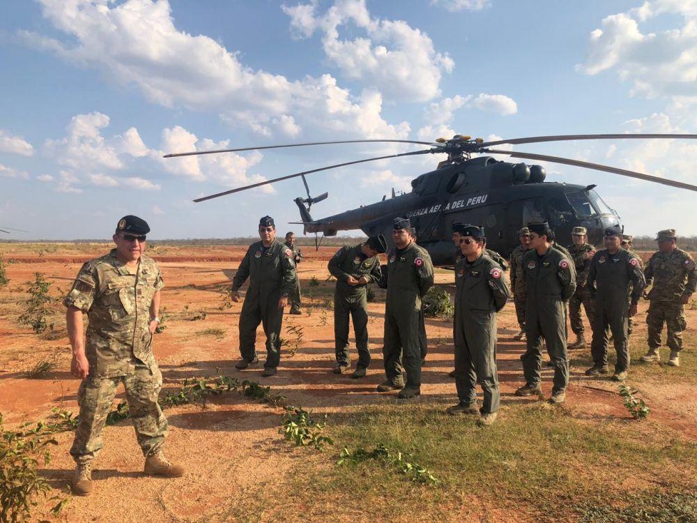 Dos helicópteros peruanos sofocan incendios en la selva de Bolivia