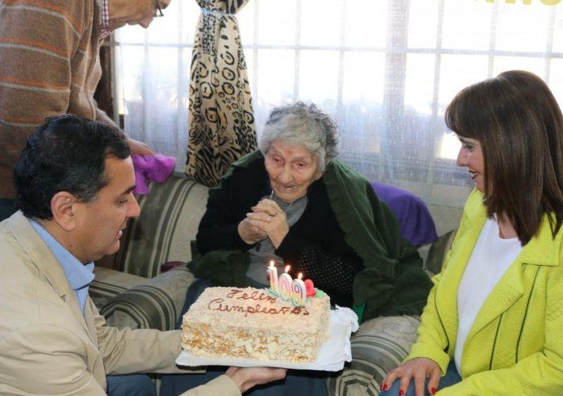"""Mujer cumple 109 años y revela su secreto: """"No voy a fiestas"""""""
