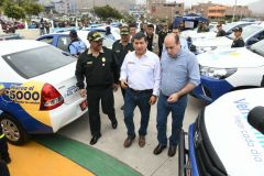 Ministro promete más policías y patrulleros para Ventanilla
